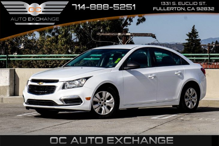 2015 Chevrolet Cruze 4dr Sdn Auto LS (Sirius XM & Traction Control)
