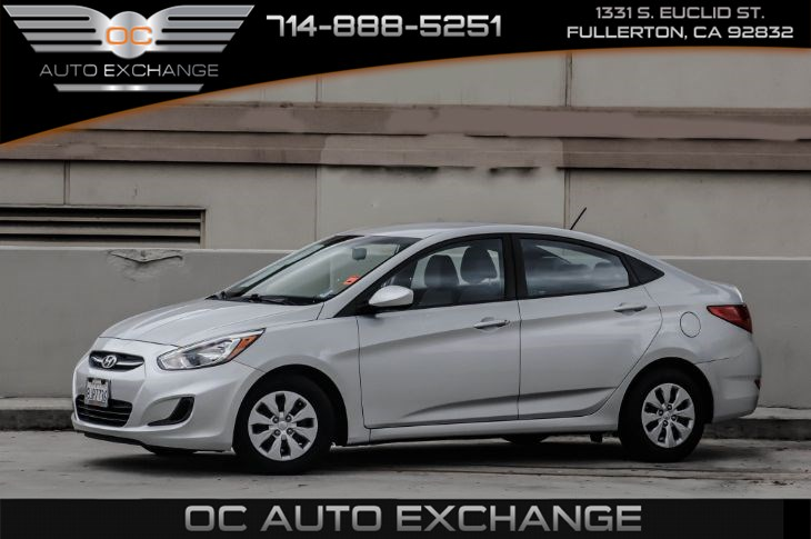 2017 Hyundai Accent SE Sedan A/T (Traction Control & Bluetooth)