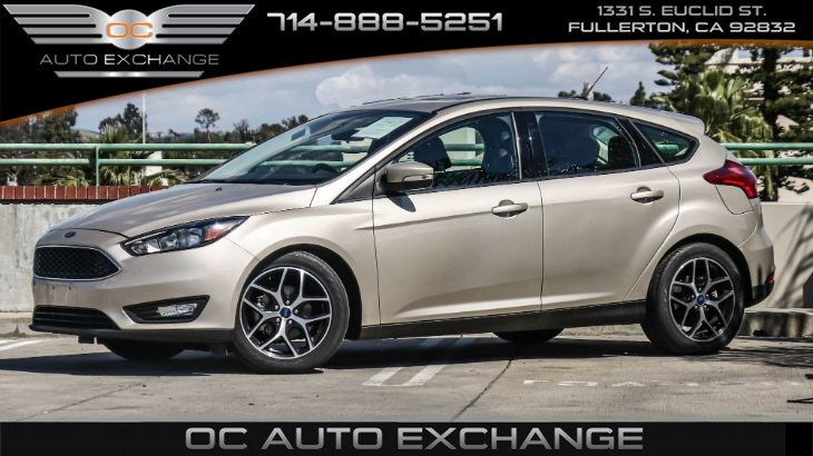 2017 Ford Focus Hatchback SEL (Moonroof, Rearview Camera, HD Radio)