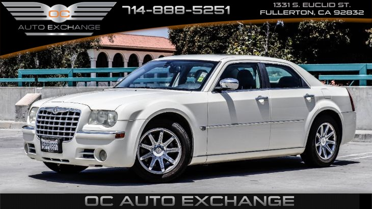 2006 Chrysler 300 C(Bluetooth, Sunroof, Remote keyless entry)