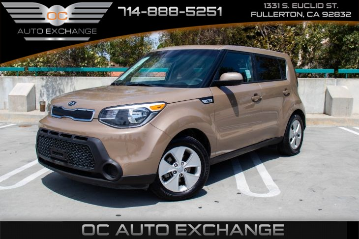 2015 Kia Soul Base (AUX & BLUETOOTH)