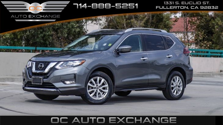 2018 Nissan Rogue FWD (Back Up Cam, Heated Seats) SV