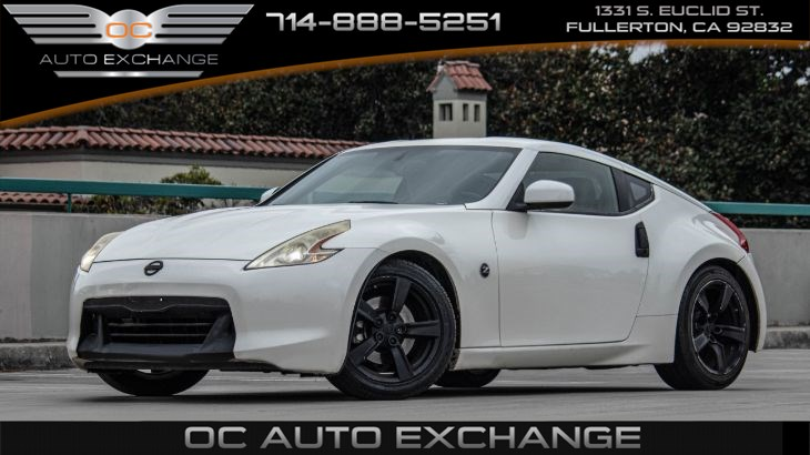 2010 Nissan 370Z 2 door Coupe Touring (Push Button Start, Heated Seats, Bt)