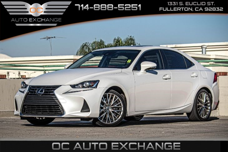 2018 Lexus IS 300 4dr Sdn (Back Up Cam, Sunroof, Keyless Start )
