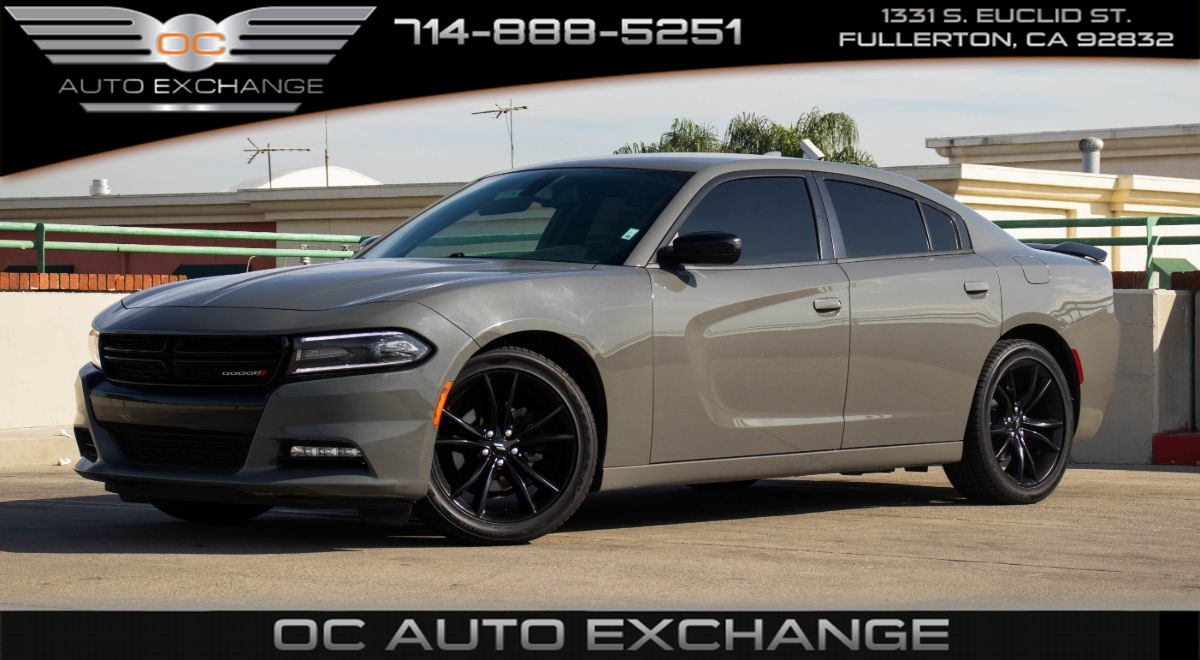 2018 Dodge Charger SXT Plus RWD (Navi, Back Up Cam, Blacktop Pkg)