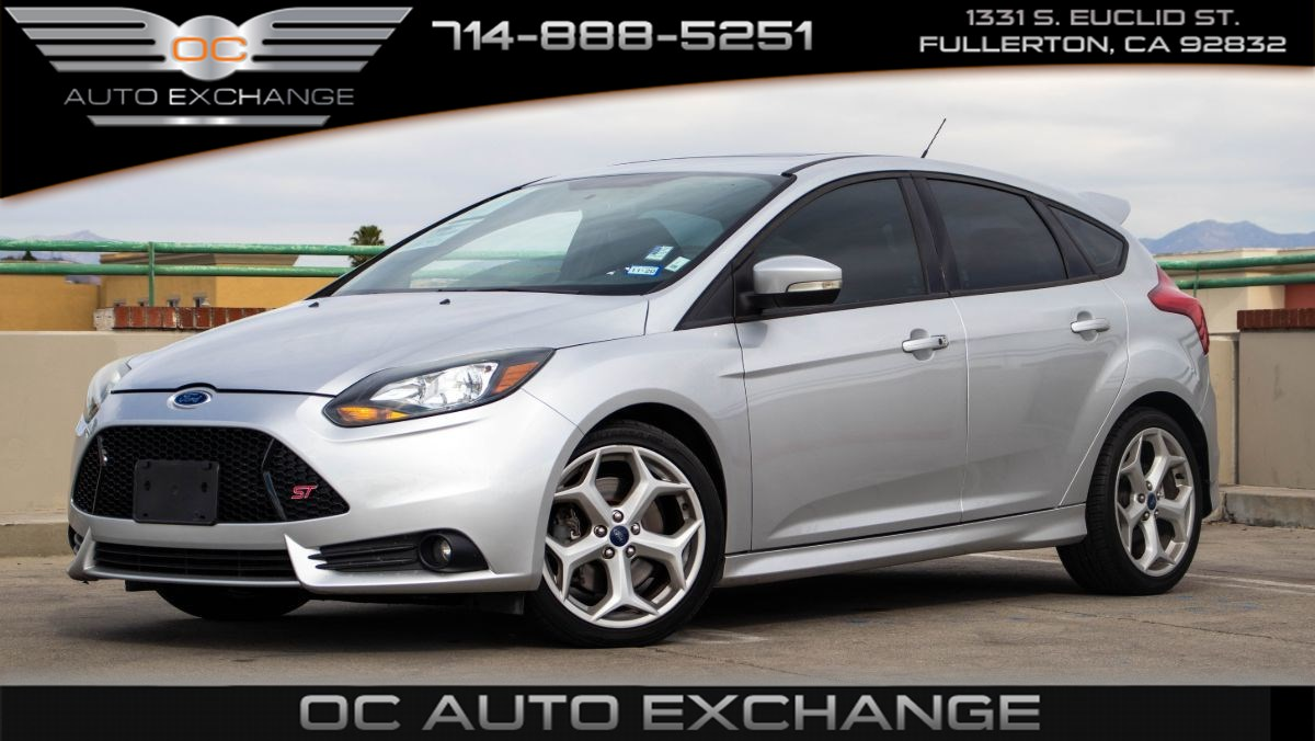 2013 Ford Focus ST (Recaro Seats, Touch Screen, Push To Start)