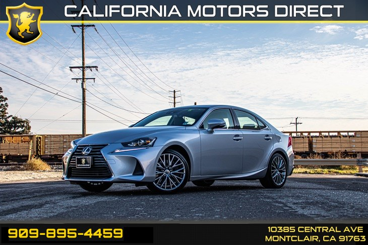 2017 Lexus IS IS Turbo (TURBOCHARGED & BLUETOOTH)