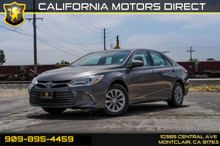 2017 Toyota Camry LE (BLUETOOTH & BACK-UP CAMERA)