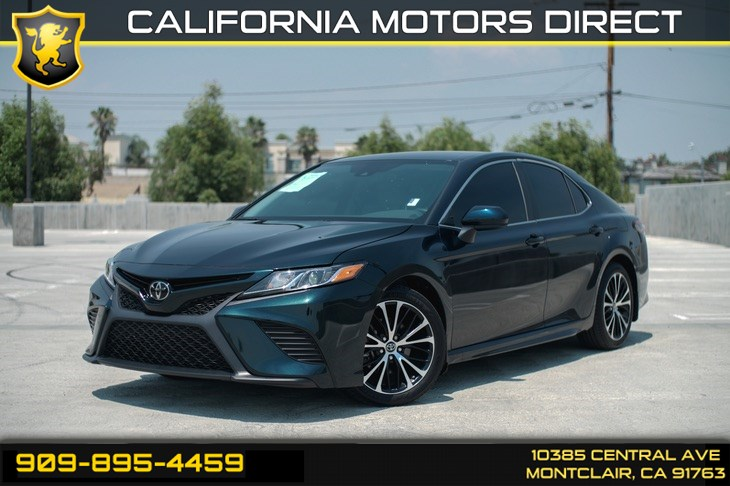 2019 Toyota Camry SE (BLUETOOTH & BACK-UP CAMERA)