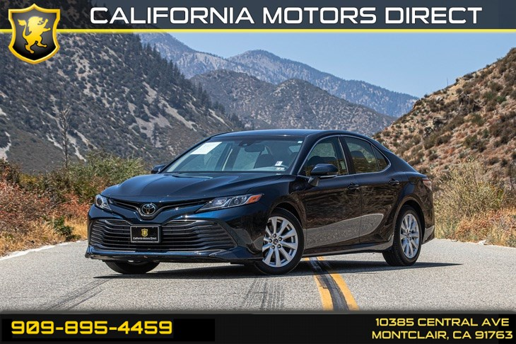 2018 Toyota Camry LE (BLUETOOTH & BACK-UP CAMERA)