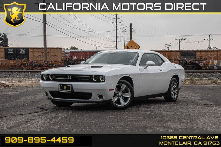 2017 Dodge Challenger SXT (BLUETOOTH & KEYLESS START)