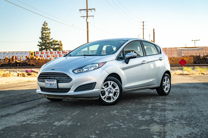 2016 Ford Fiesta SE (BLUETOOTH & KEYLESS ENTRY)