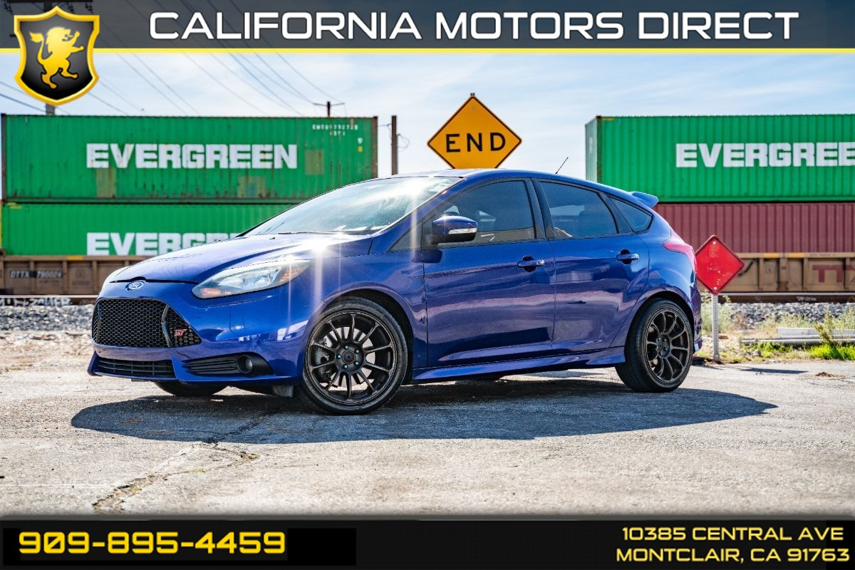 2013 Ford Focus ST (TURBOCHARGED & BLUETOOTH)