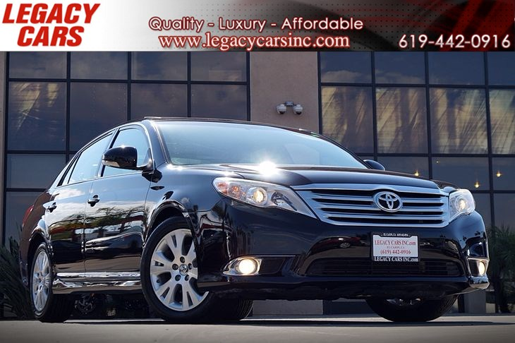 2012 Toyota Avalon XLE w/Back-up cam/Sunroof
