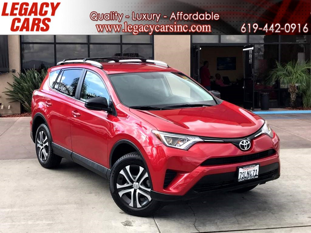 2016 Toyota RAV4 LE w/Backup Camera/Bluetooth