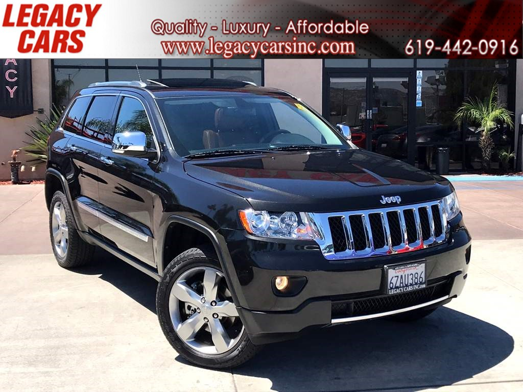 2013 Jeep Grand Cherokee Overland  4wd W/ Panoramic roof and Navigation