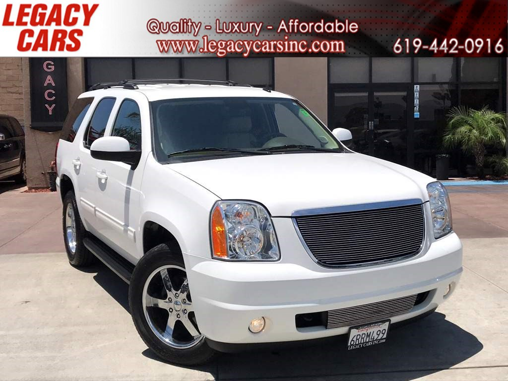 2011 GMC Yukon SLT w/Backup Camera /QUAD CAPTAIN CHAIRS