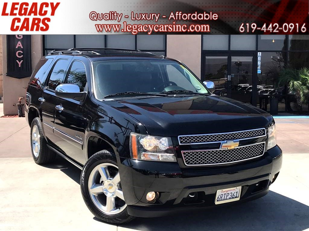 2011 Chevrolet Tahoe LTZ 4X4 3RD ROW SEATS w/BACK-UP CAM/NAV/SUNROOF
