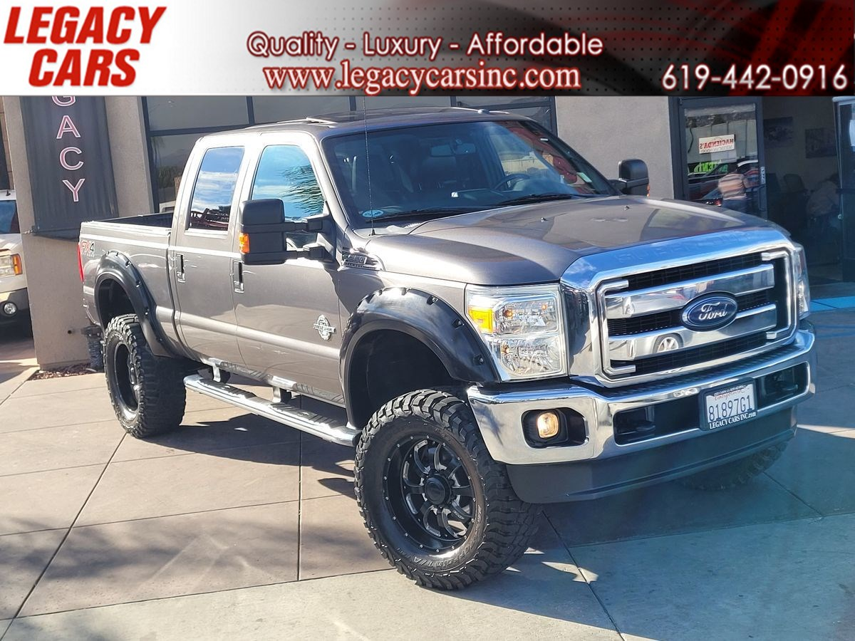2014 Ford Super Duty F-250 SRW Lariat FX4 Lifted V8 w/Back-up cam/Sunroof/Nav