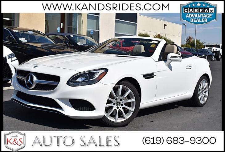 2017 Mercedes-Benz SLC 300 Roadster*PANORAMIC ROOF* PO1*Leather Seats*Navigation Ready*