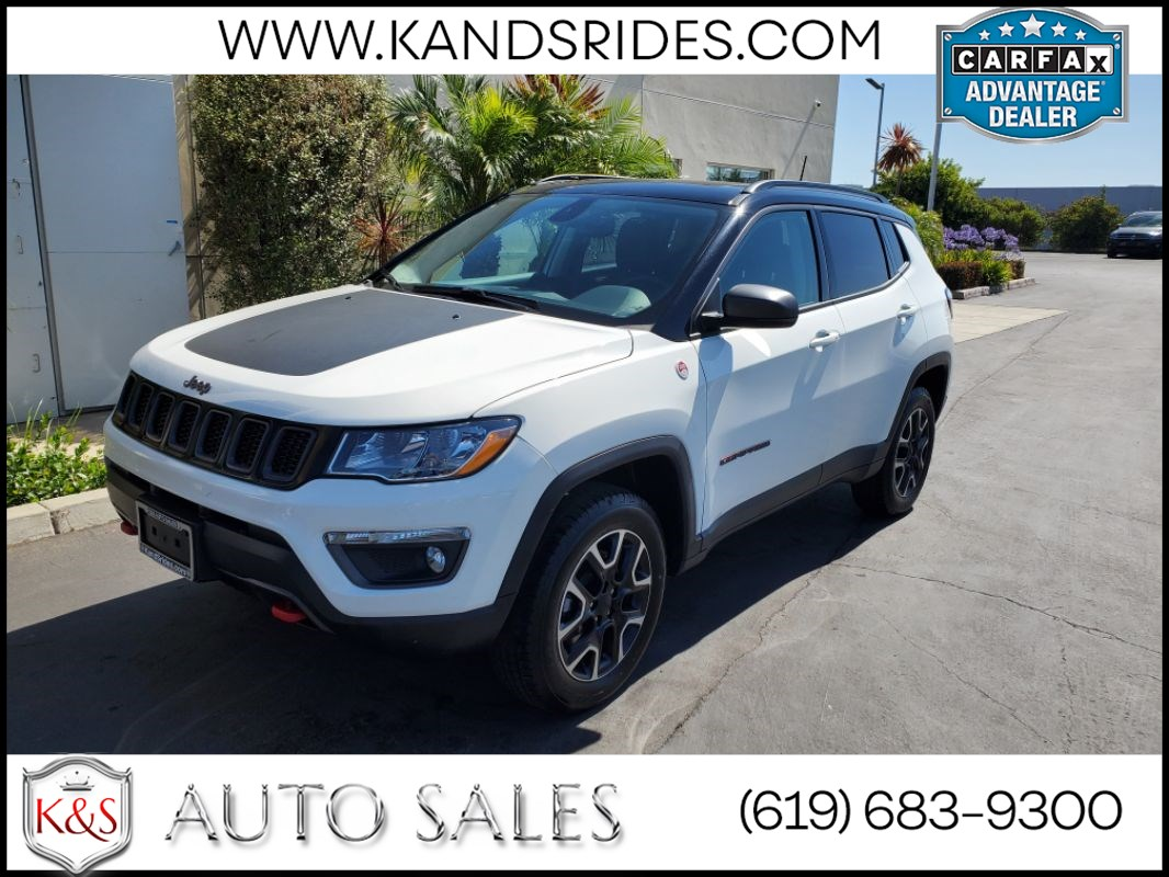 2019 Jeep Compass Trailhawk Panoramic roof Leather Seats BSM BackUp Cam Smart Device Int Bluetooth Fog Lamps