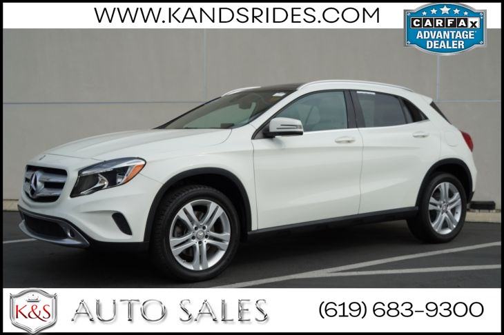 2017 Mercedes-Benz GLA 250 4MATIC | *One Owner*, AWD, Pano Roof, Bluetooth, Keyless Ignition, Rain-sensing Wipers