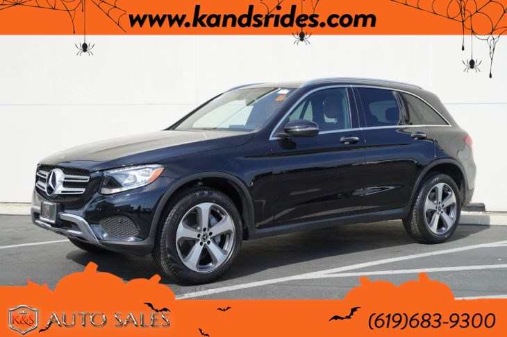 2018 Mercedes-Benz GLC 300 | *One Owner*, Pano Roof, Heated Seats, Blind-spot Monitor, Bluetooth, Back-up Cam