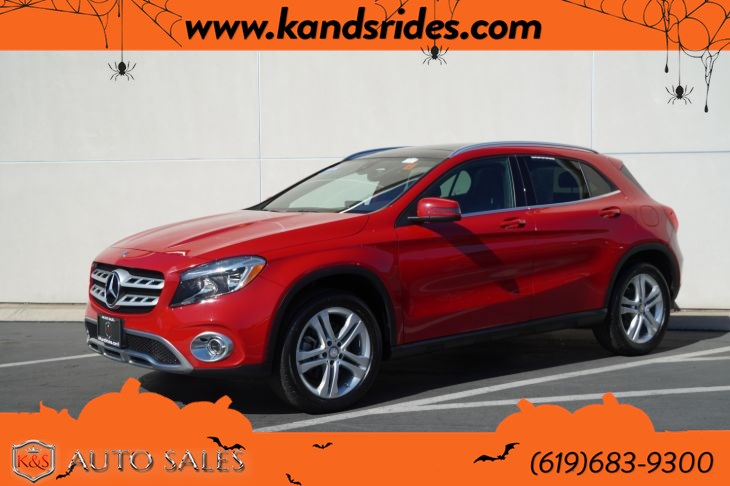 2018 Mercedes-Benz GLA 250 | *One Owner*, Pano Roof, Heated Seats, Blind-spot Monitor, Bluetooth, Back-up Cam