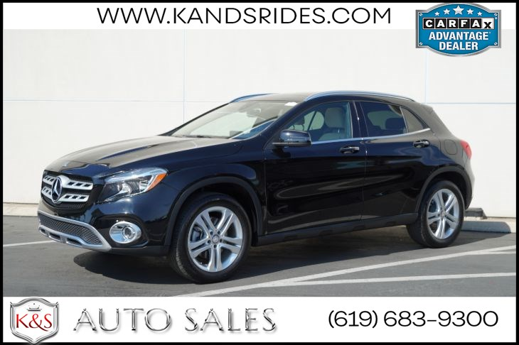 2018 Mercedes-Benz GLA 250 Panoramic Roof Back-up Camera 4MATIC SUV Blindspot Monitor Bluetooth