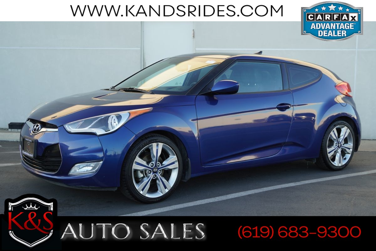 2016 Hyundai Veloster | *One Owner*, 6 Speed Manual, Bluetooth, Back-up Cam, Keyless Ignition, Navigation