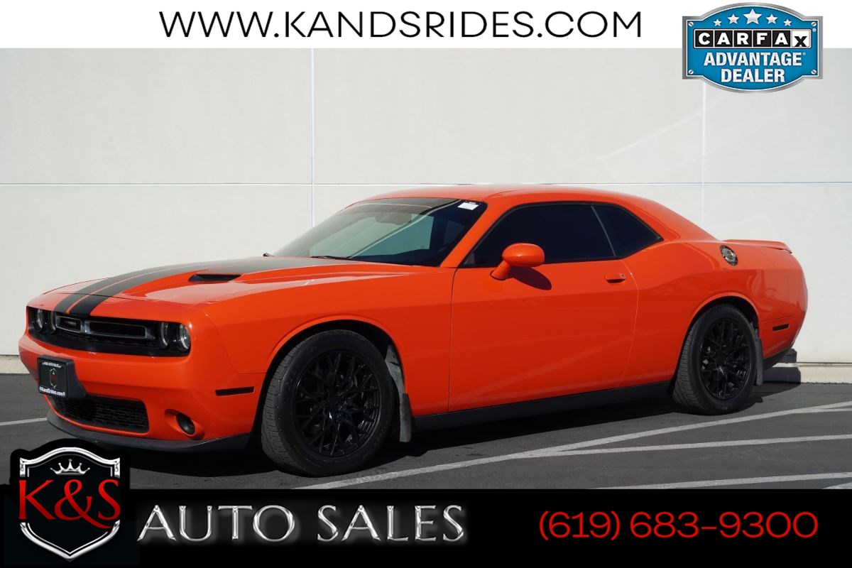 2016 Dodge Challenger SXT | Bluetooth, Back-up Cam, Keyless Entry/Ignition, Dual-zone Climate Ctrl, 30mpg Hwy
