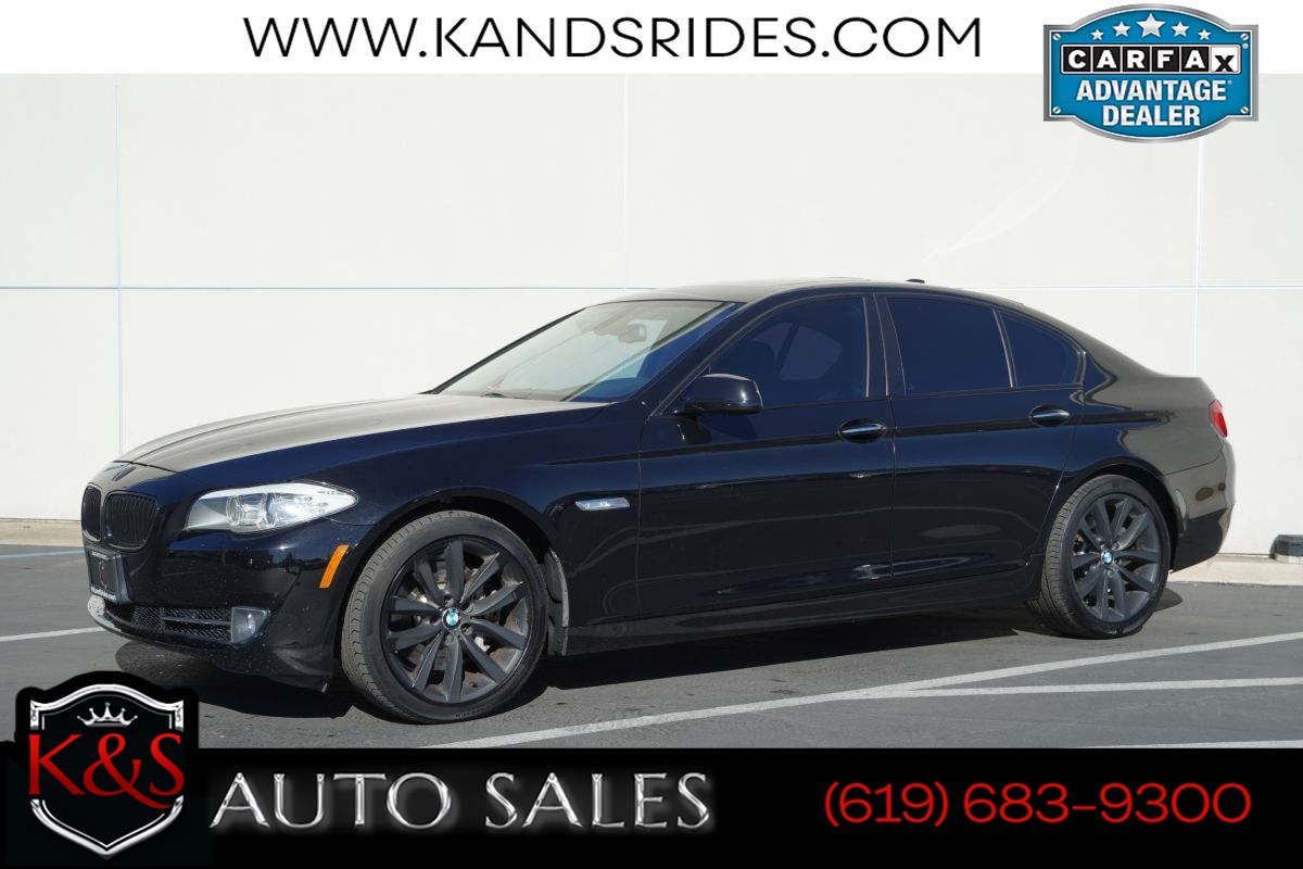 2011 BMW 535i | Sunroof, Heated Seats, Bluetooth, Keyless Ignition, Rain-sensing Wipers, HID Headlamps