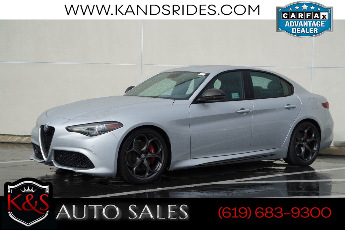 2019 Alfa Romeo Giulia Ti Sport Carbon | Heated Sts, MSRP $50140, Back-up Cam, Android Auto, Apple CarPlay