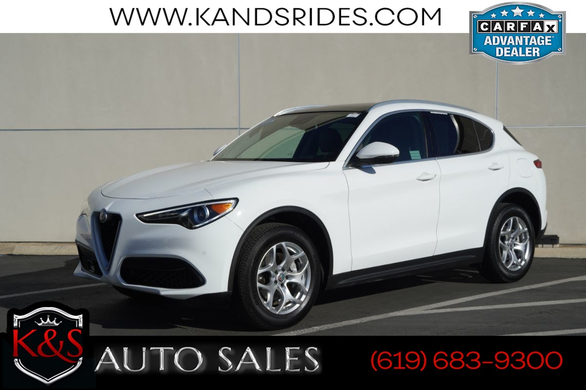 2018 Alfa Romeo Stelvio | *One Owner*, AWD, Pano Roof, Blind-spot Monitoring, Keyless Ignition, Remote Start