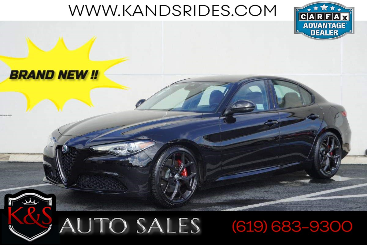 2020 Alfa Romeo Giulia | MSRP $43,895.00, Nero Edizione Pkg, Android Auto, Apple CarPlay, Blind Spot Monitoring