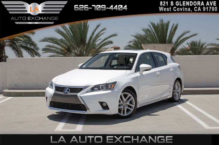 2017 Lexus CT CT 200h(LEATHER SEATS & BACK UP CAMERA)