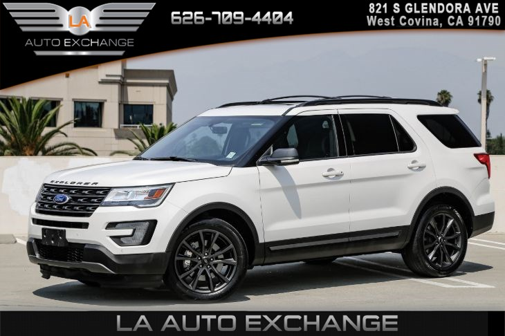 2017 Ford Explorer XLT ( EQUIPMENT GROUP 202A & XLT APPEARANCE PKG) )