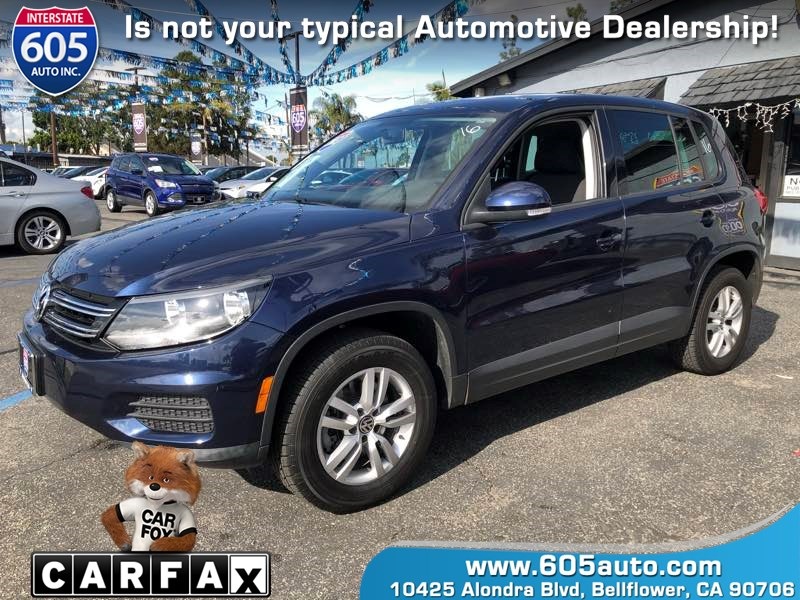 2013 Volkswagen Tiguan S  (Panoramic Sunroof)