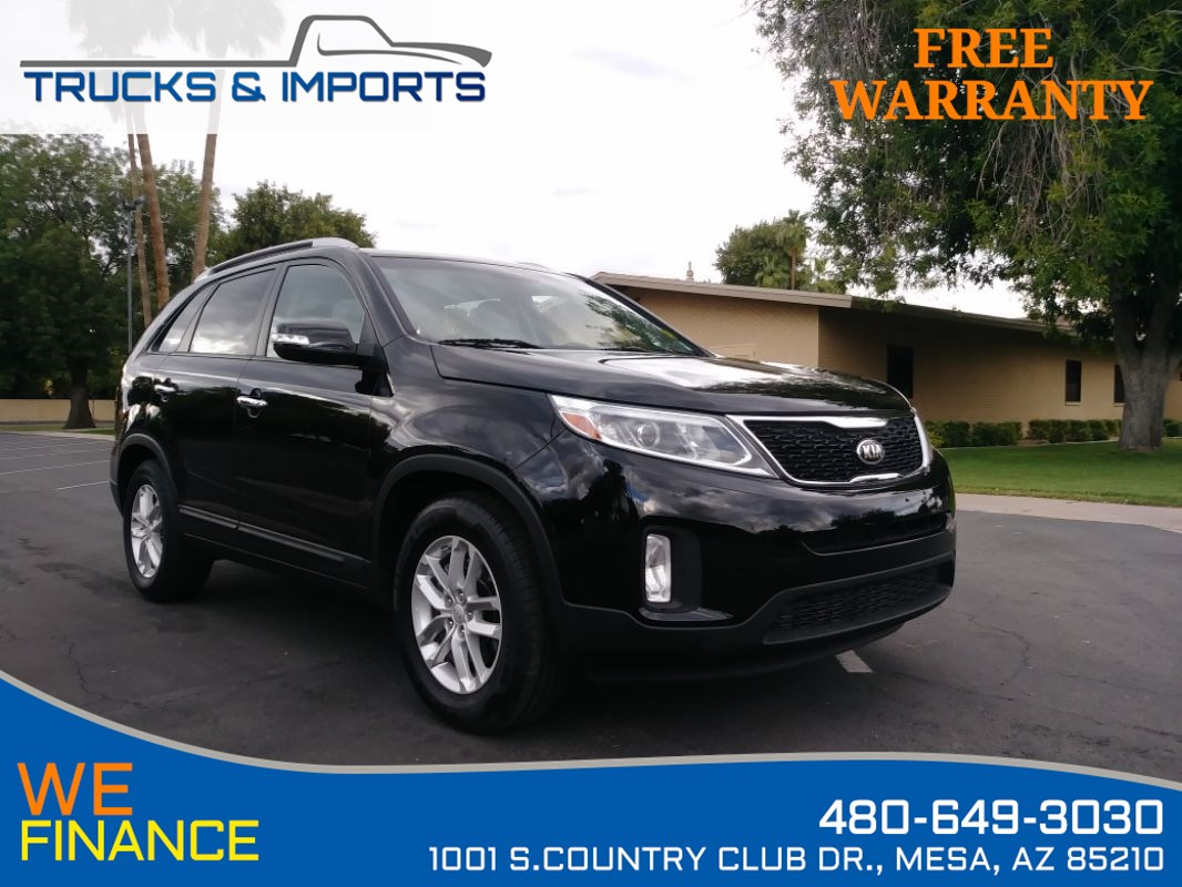 2014 Kia Sorento LX Clean CarFax 4 in stock!