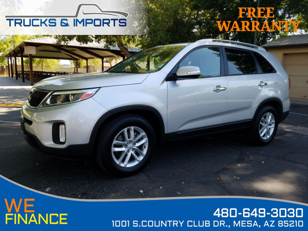 2014 Kia Sorento LX Clean CarFax 3 in stock!