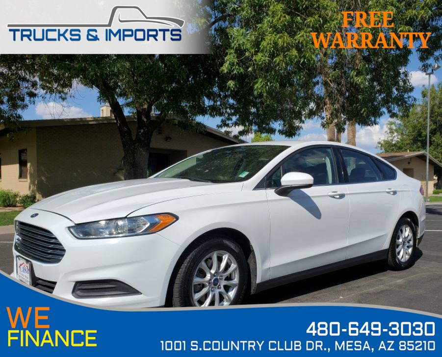 2015 Ford Fusion S Clean CarFax 4 in stock One Owner!