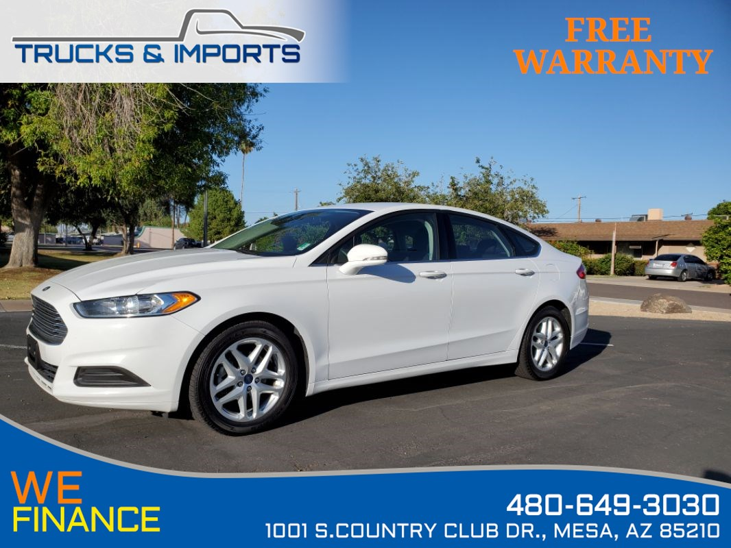 2016 Ford Fusion SE Backup Camera  Clean CarFax 5 in stock!