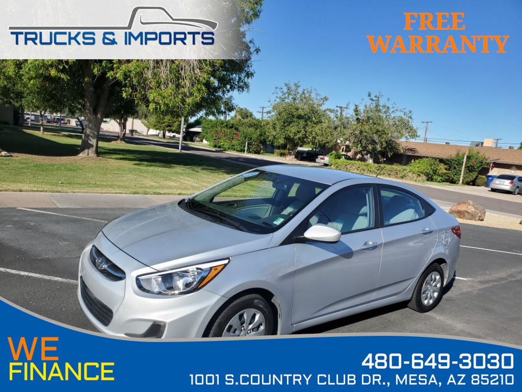 2017 Hyundai Accent SE Clean CarFax plus 36 MPG!