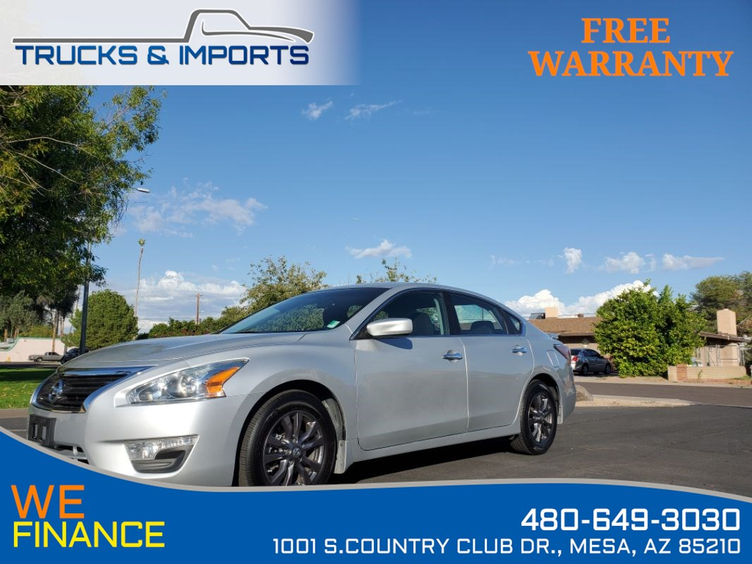 2015 Nissan Altima 2.5 S Bluetooth plus CarFax shows Nissan Records!