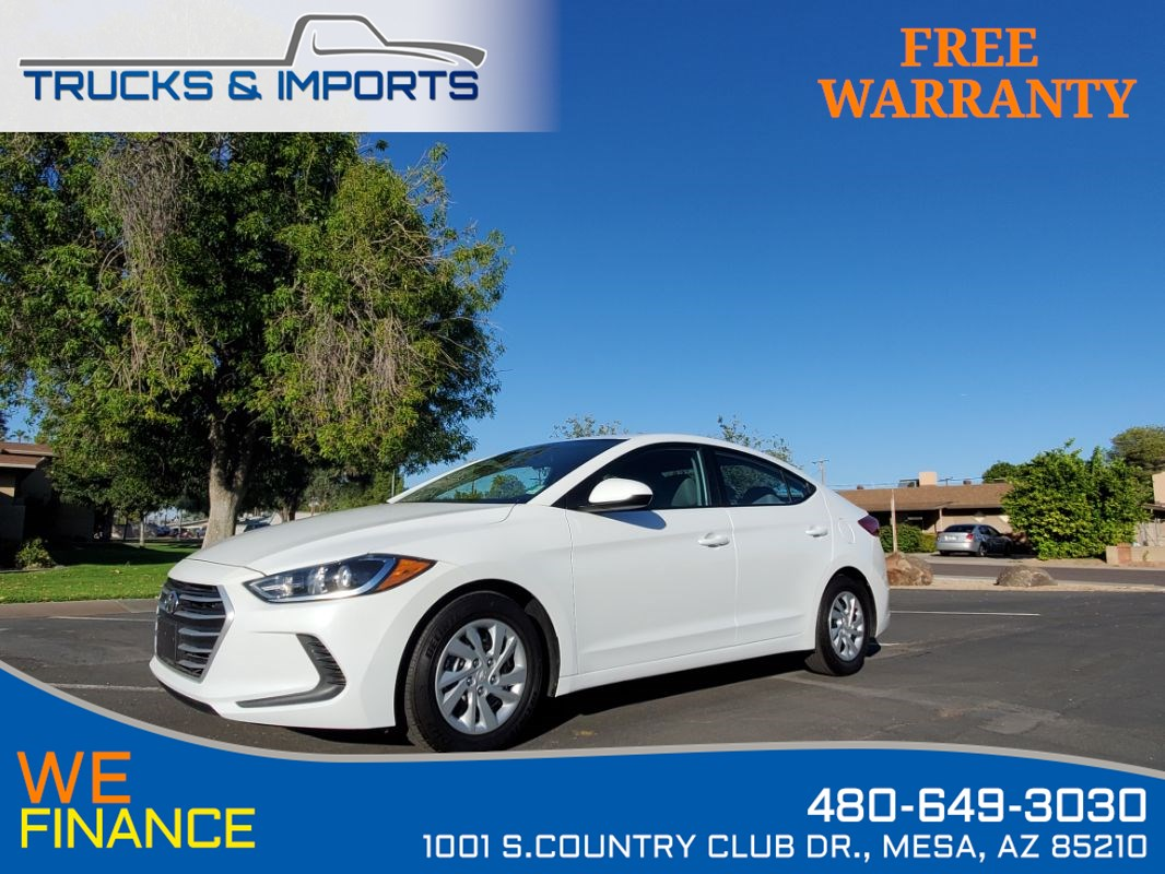 2017 Hyundai Elantra SE 6 in stock Clean CarFax plus Bluetooth!