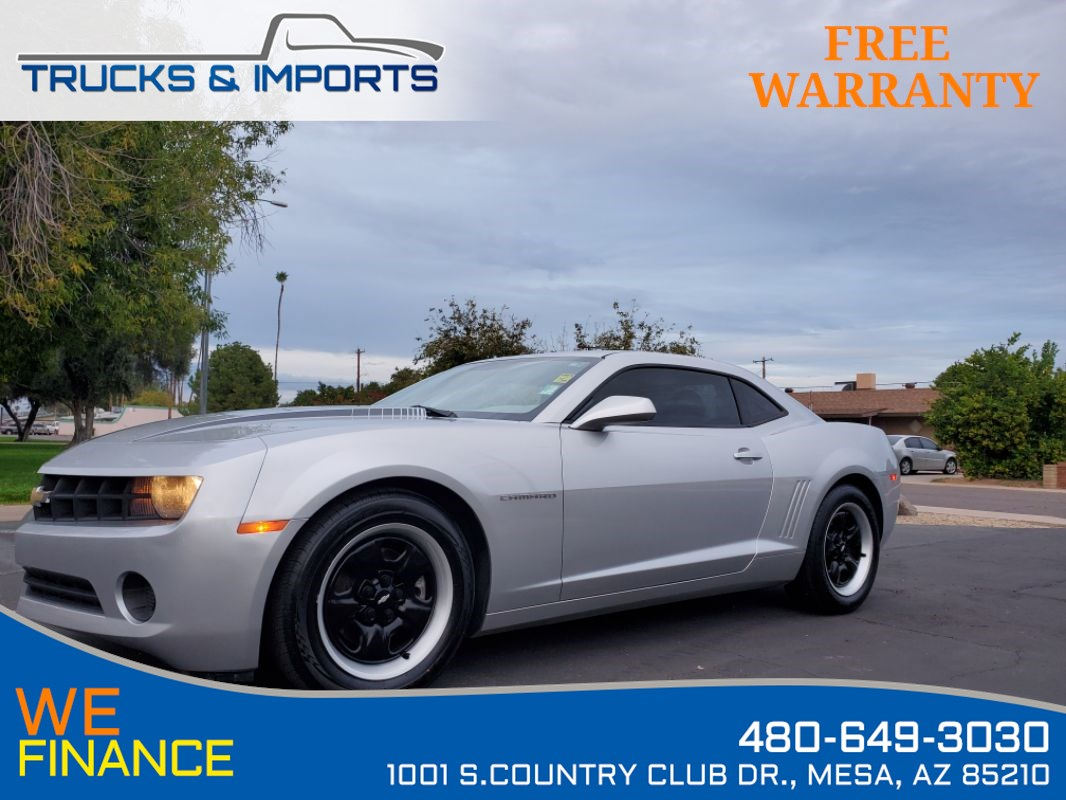 2013 Chevrolet Camaro LS Clean CarFax shows Dealership Service Records!