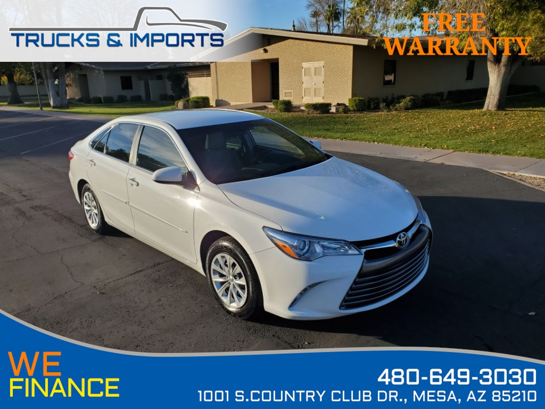 2017 Toyota Camry LE Clean CarFax Bluetooth plus Backup Camera!