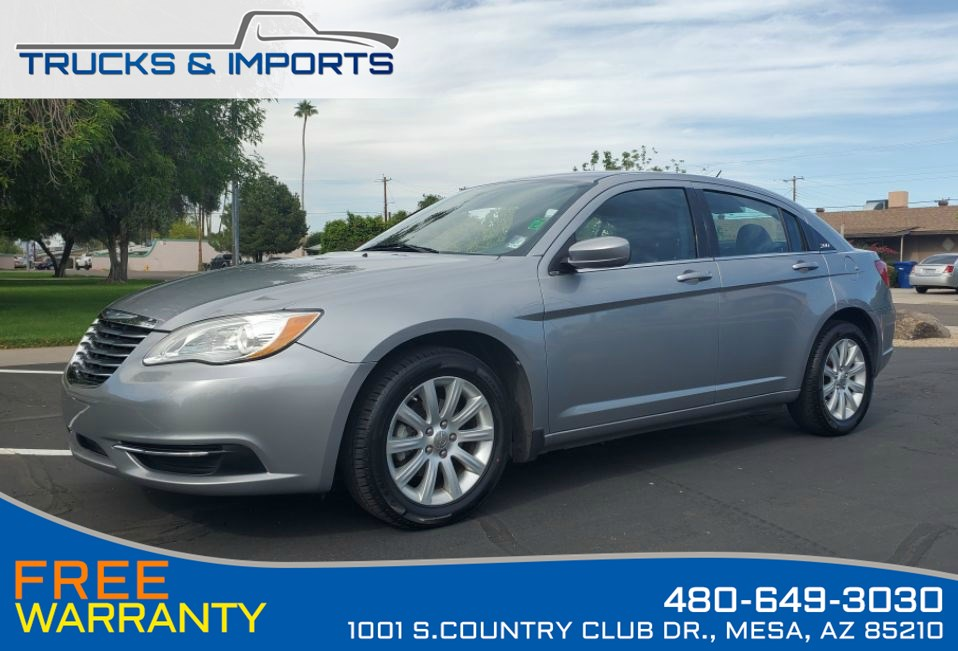 2013 Chrysler 200 Touring 3 in stock Bluetooth and Heated Seats!
