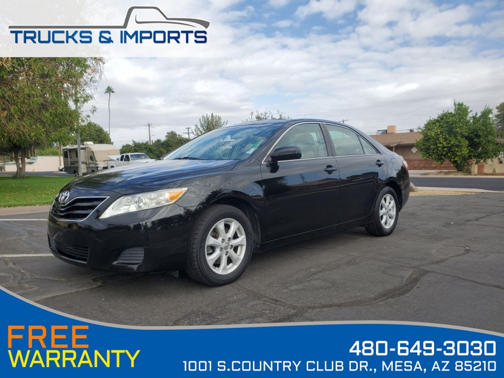 2010 Toyota Camry LE Clean CarFax shows Dealership Service Records!