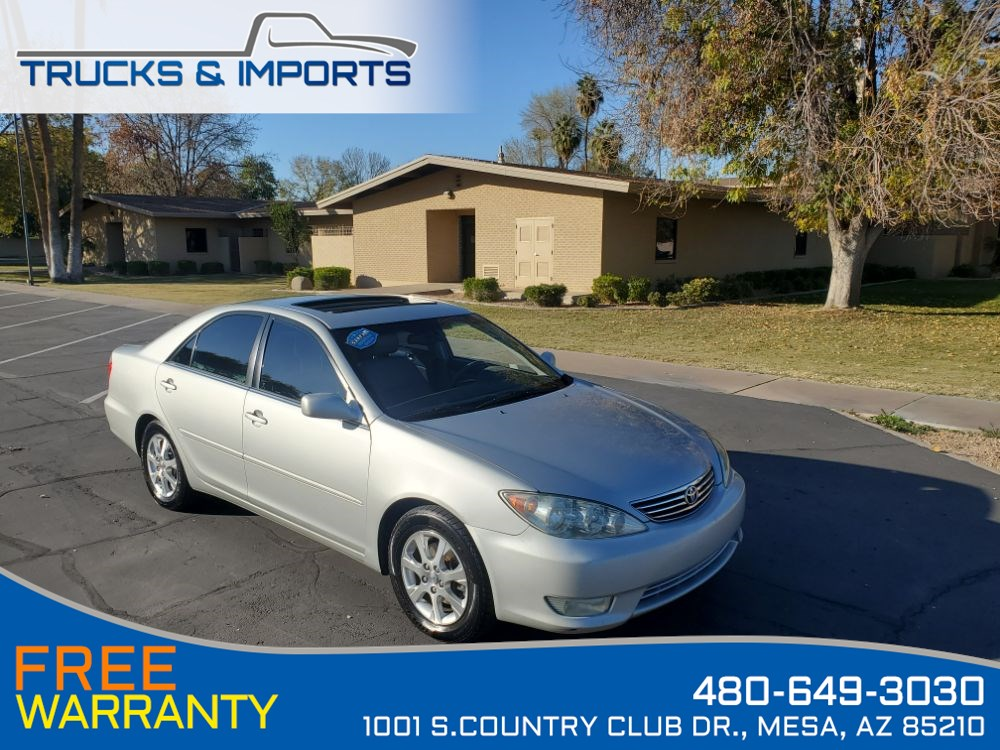 2005 Toyota Camry XLE Leather, Moonroof, Clean CarFax 3 in stock!